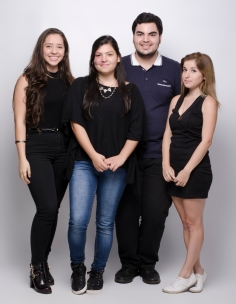 Estudiantes Maripaz Hidalgo, Stephanie Vargas, Daniel Matamoros y Fabiola PÇrez - Fotograf°a por Alonso Alfaro - Universidad Creativa